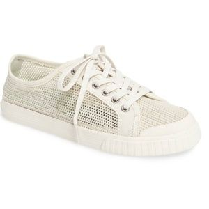 Tretorn Tournament Net Sneaker in Vintage White